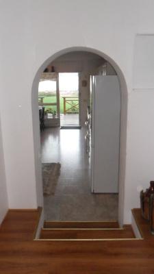 Interiör - Passagen från arbetsrum/sovrum till vardagsrummet/köket.