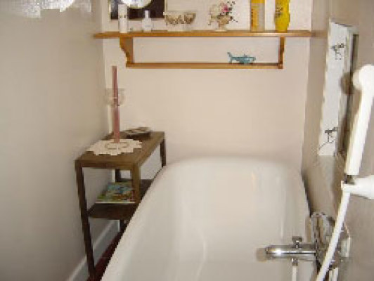 Badrum - bad med badkar