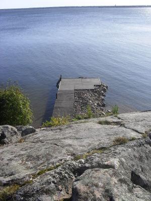på sommaren - Brygga med vy över Mariestadsfjärden