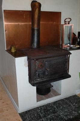 Kök - Den gamla vedspisen fungerar fortfarande!