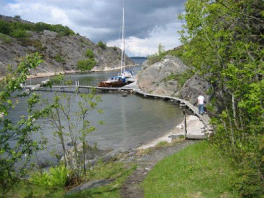 på sommaren - båt- och badbryggan