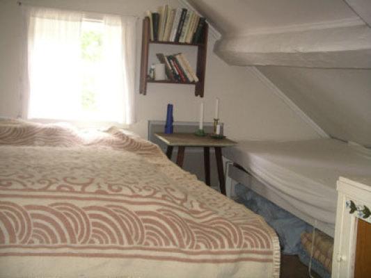 Sovrum - sovkammare med dubbelsäng