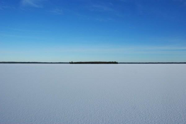 på vintern - sjön på vintern