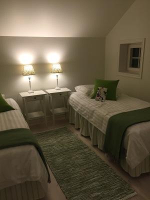 sleeping room - One of six guestrooms