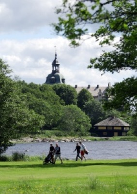 på sommaren - Kobergs slott. Bostad för svenske kungens syster Desireé!