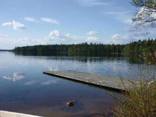 på sommaren - badsjö 3km ifrån stugan