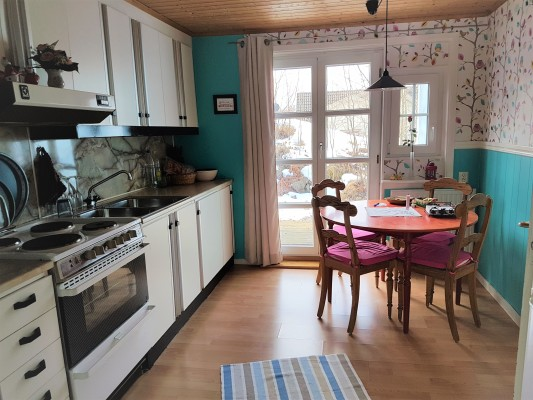 Küche - Schöne Wohnküche mit Sonnenterrasse