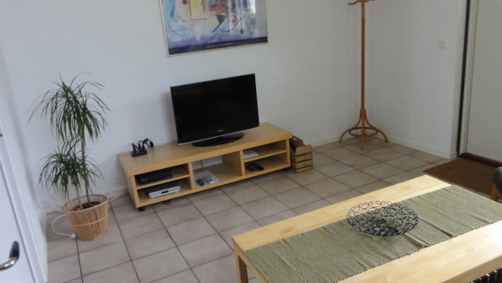 Living room - tv with 80 channels