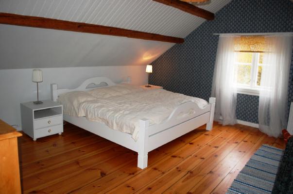 Sovrum - Stor sovrum med utrymme till 2 extra sängar TV
