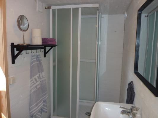 Badrum - Duschkabin och vask