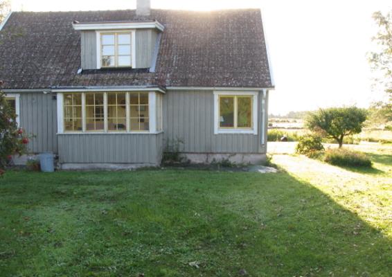 Utomhus - Huset från vägsidan