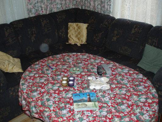 Vardagsrum - Hörnbäddsoffa med 2 bäddar som smidigt bäddas upp.