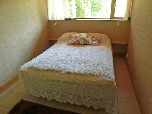 Sovrum - säng 140 cm
