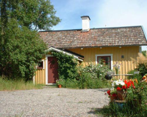 På sommaren - Stugan ligger på Norrgården, Kungsberga