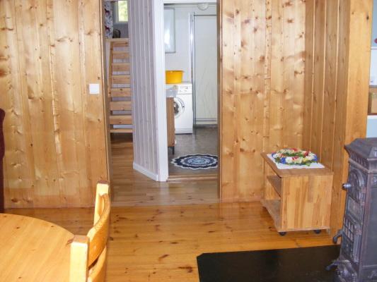 Vardagsrum - Allrum med övergång till TV-rummet och badrummet.