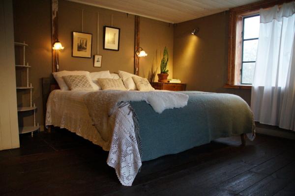 sleeping room -