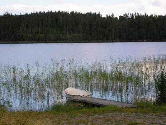 Övrig - Sjö vid huset med båt( hyrbar )