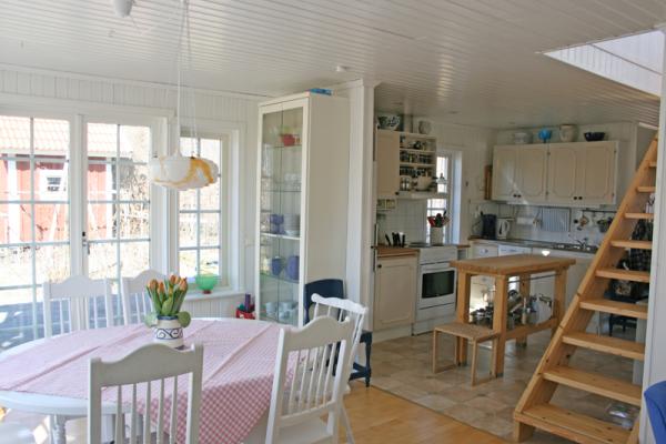 Kök - Matplats och kök i den nya stugan