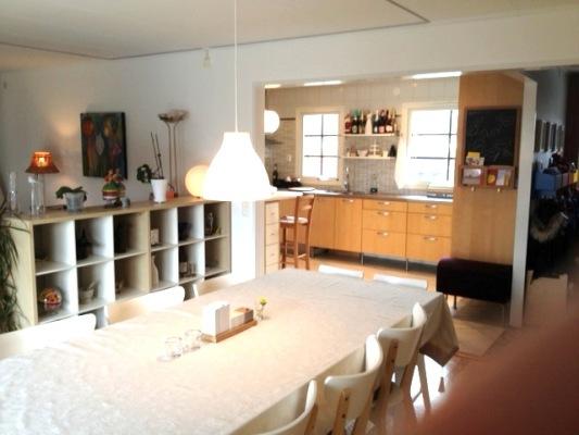 Kök - Vardagsrum/matrum/kök har en öppen planlösning.