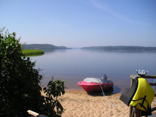 Övrig - sjön (endast en roddbåt finns tillgänglig)