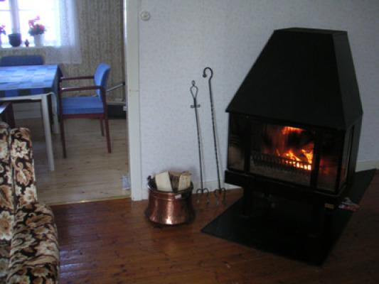 Vardagsrum - braskamin i vardagsrummet