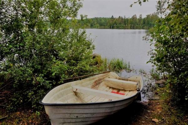 Omgivning - Båten i Axebosjön