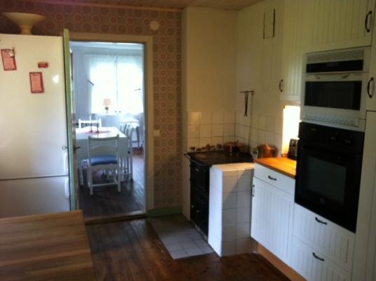 Kök - Kök med vedspis, varmluftsugn och microvågsugn