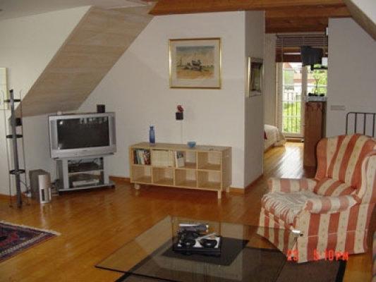 Vardagsrum - allrum med tv uppe
