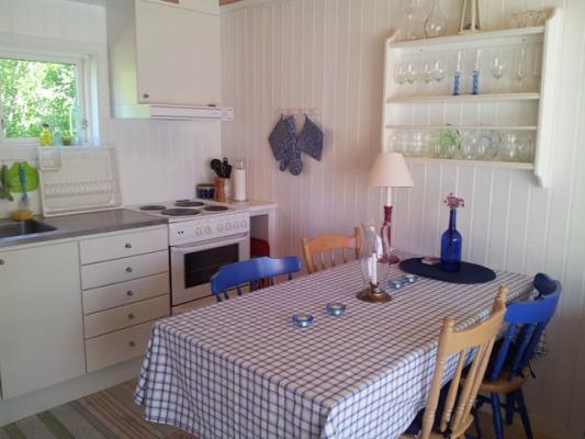 Kök - Matbordet med plats för 4-6 personer