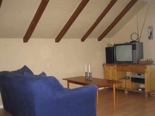 Interiör - vardagsrum med tv