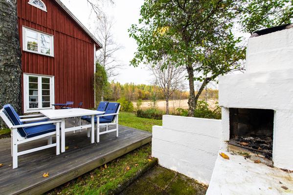 Terrasse - Terrasse mit gemauertem Grill
