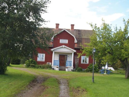 På sommaren - Välkomna till Villa Hagaberg, Sillegården.