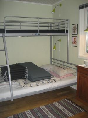 Sovrum - Sovrum. Våningsängen är ersatt med en bäddsoffa för två personer.