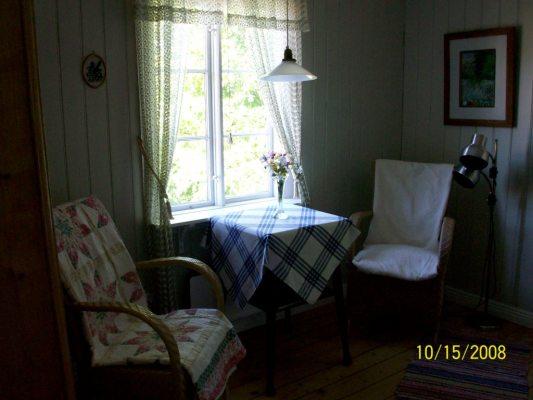 Vardagsrum - Kombinerat vardags-mat- och sovrum.