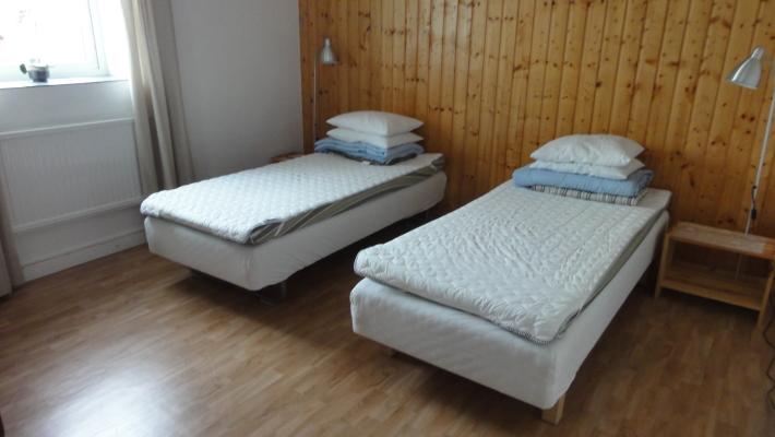 sleeping room - bedroom 2