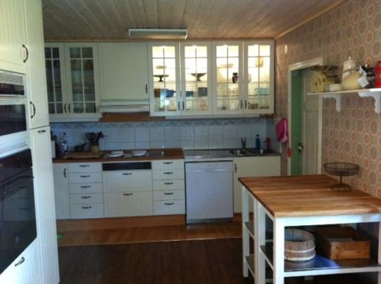 Kök - Modernt kök med spis och diskmaskin