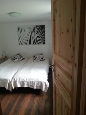 Sovrum - sovrum nere med dubbelsäng