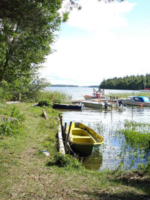 på sommaren - båtbrygga
