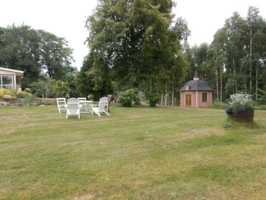 Utomhus - Trädgård med lusthus