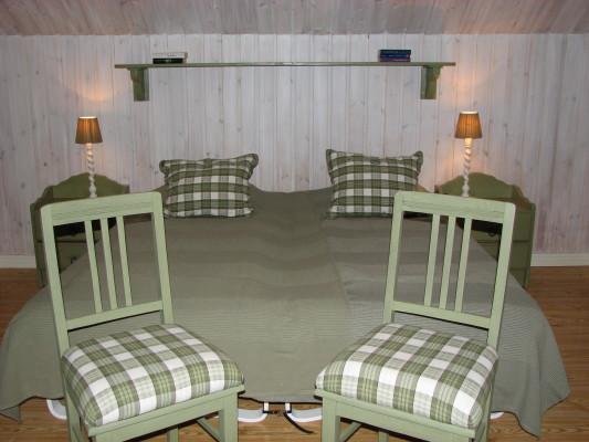 Sovrum - sovrum 1 med dubbelsäng övervåningen