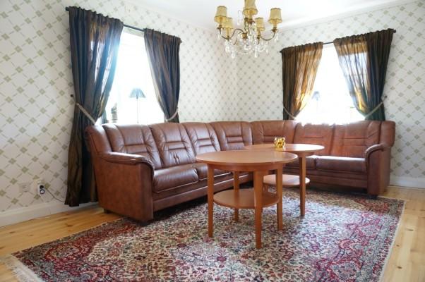 Vardagsrum - Soffa med plats för 8 personer