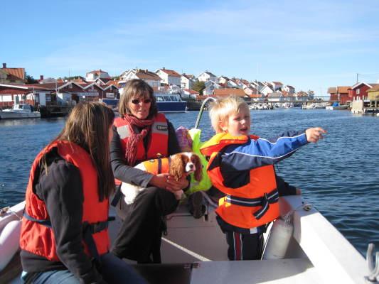 Omgivning - Vy av Gullholmen, 2 km från huset kan nås med färja