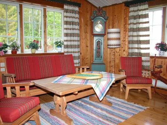 Vardagsrum - Bekväma sittmöbler finns.