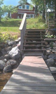 På sommaren - Tag ett morgonbad eller fiska från egen brygga