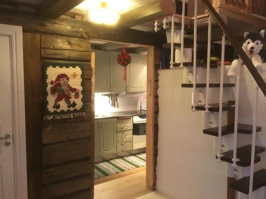 Kök - Öppning in till mycket välutrustat kök.