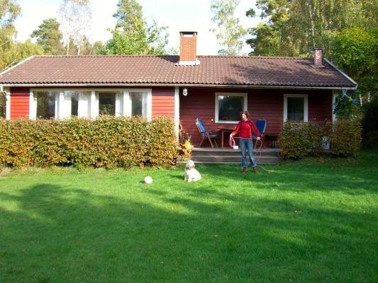 Ansicht Sommer - Haus mit Veranda
