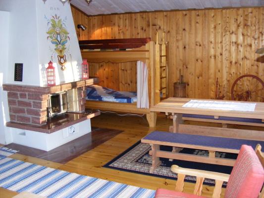 Vardagsrum - I vardagsrummet finns också en våningssäng.