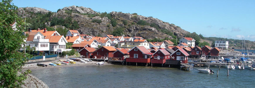 Cosy holiday homes at the sea or lake in Sweden!