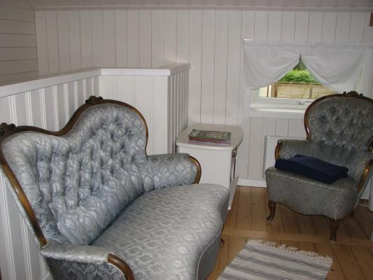 Interiör - soffan på övervåningen i hallen