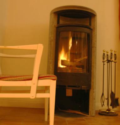 Interiör - Värme och mysfaktor 10 från täljstenskaminen